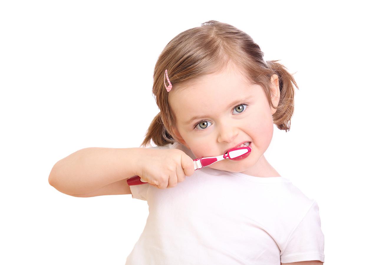 salud-bucal-de-los-pequenos-shutterstock_72217156