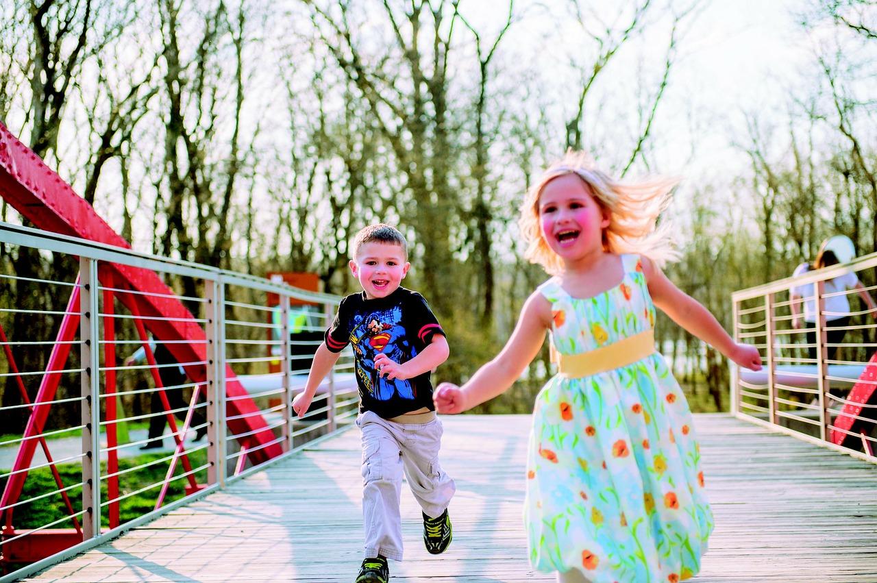 kids-running-348159_1280
