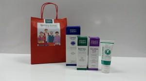 Martiderm y la Cruz Roja reparten kits de soporte dermatológico a 1.500 personas mayores usuarias de la Cruz Roja