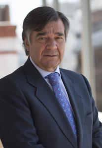 """Luis González Díez: """"Necesitamos garantizar la sostenibilidad de la Farmacia porque está siendo vaciada de contenido"""
