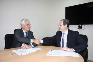SEFAC y AECC firman un convenio para mejorar la atención de las personas con cáncer