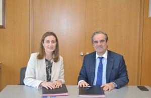 CGCOF y GSK firman un acuerdo para formar farmaciacéuticos comunitarios