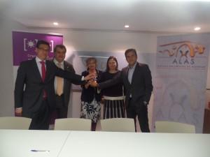 Farmacias de Asturias se suman a la campaña 'Frena el sol, frena el lupus'