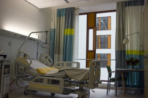 Curso de farmacología y terapéutica hospitalaria por el COFC