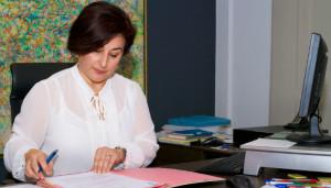 """Elena Castiella, presidenta del Consejo Vasco de Farmacéuticos: """"Estamos en niveles de gasto farmacéutico comparables al año 2004"""""""