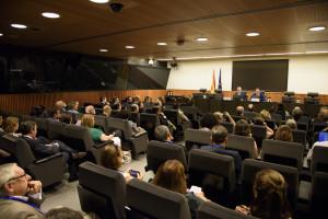 Parlamentarios y pacientes demandan mayor participación de la farmacia en el SNS