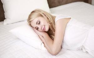 Los expertos recomiendan escoger bien los alimentos antes de irnos a dormir