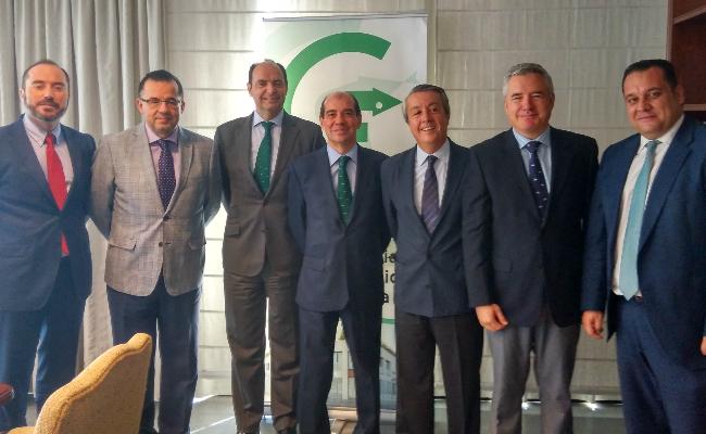 Bancofar firma un acuerdo de colaboracion con el COFCO