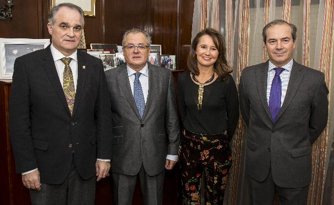 El COF de Huelva reconoce con la Pinta de Oro la creacion de Bidafarma