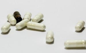 Que requisitos legales deben cumplir los medicamentos en investigacion