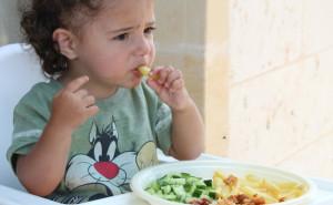 Comer en familia ayuda a los niños a adoptar hábitos saludables