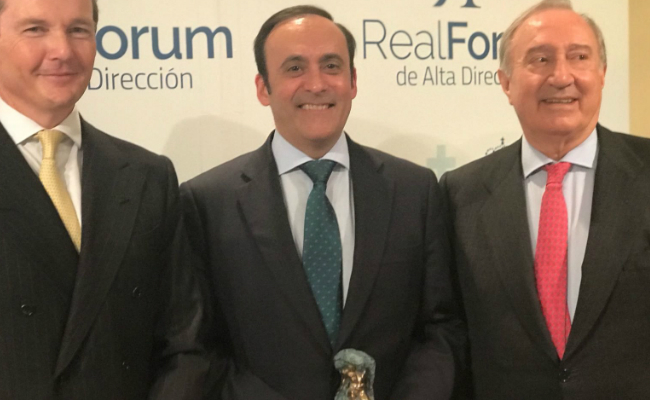 Eduardo Pastor recibe el Mster de Oro del Real Frum de Alta Direccin