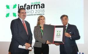 Manuel Molina, viceconsejero de Sanidad de la Comunidad de Madrid; Núria Bosch, vicepresidenta del Colegio de Farmacéuticos de Barcelona; y Luis González, presidente del COFM