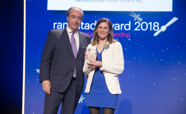 FOTO: José Alberto González-Ruiz, secretario general de la Confederación Española de la Pequeña y Mediana Empresa (CEPYME) y Ana Valdivielso, directora de Recursos Humanos de GSK