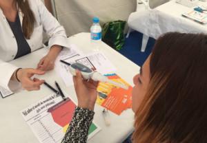 Los farmacéuticos de Tarragona ayudan a dejar de fumar