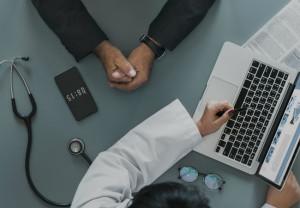 Especialistas de salud creen que los pacientes están sobreinformados