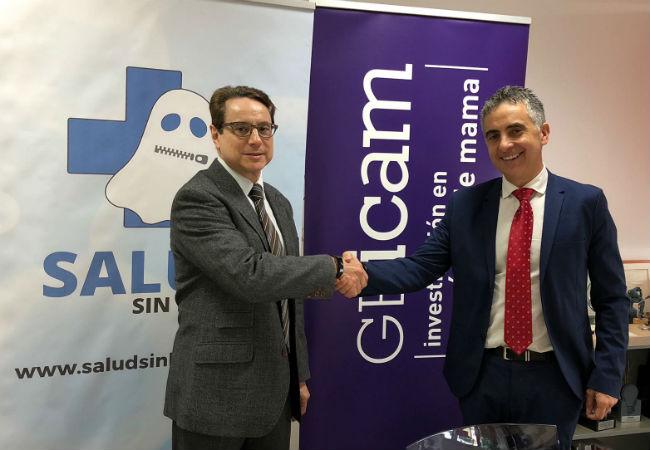 El Dr. Miguel Martín (GEICAM) y Carlos Mateos (SaludSinBulos), durante la firma del convenio de colaboración