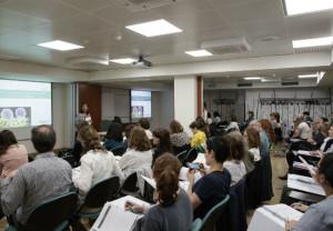 Farmacéuticos de Barcelona se forman para tener más herramientas en la atención a pacientes con cáncer