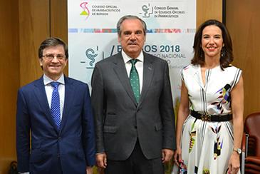 Jesús Aguilar en el centro, junto a Raquel xxx y xxx