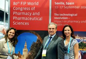 Ana López-Casero, tesorera del CGCOF; Jesús Aguilar, presidente del CGCOF; Raquel Martínez, secretaria general del CGCOF.