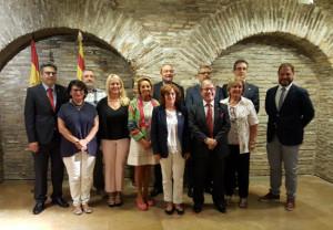 Farmacéuticos de Aragón por las buenas conductas alimentarias y el uso racional de medicamentos en Internet