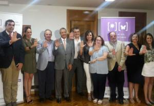 """Foto de familia de la presentación de la campaña """"Frena el sol, frena lupus"""", en Murcia"""