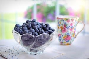 La mitad de los mayores españoles no consume fruta en la merienda
