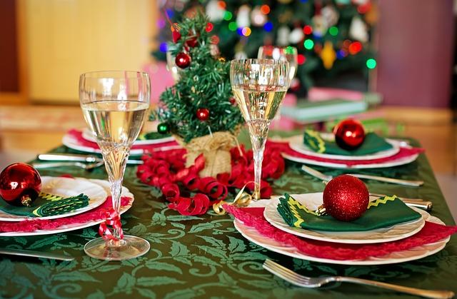 christmas-table-1909797_640 (1)
