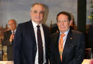 CACOF otorga su máxima distinción a la Fundación Farmacéutica Avenzoar