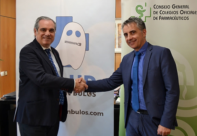 Jesús Aguilar y Carlos Mateos, en el momento de la rúbrica del nuevo convenio