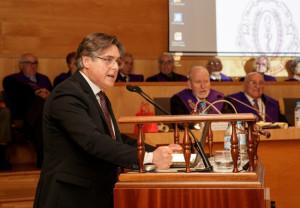El presidente de Farmamundi recibe el XXII Premio de la RAFC
