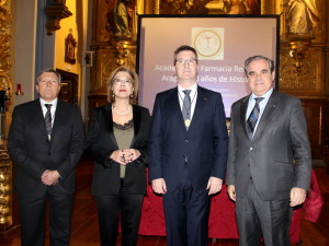 Medalla de oro al presidente del COF Zaragoza, Ramón Jordán