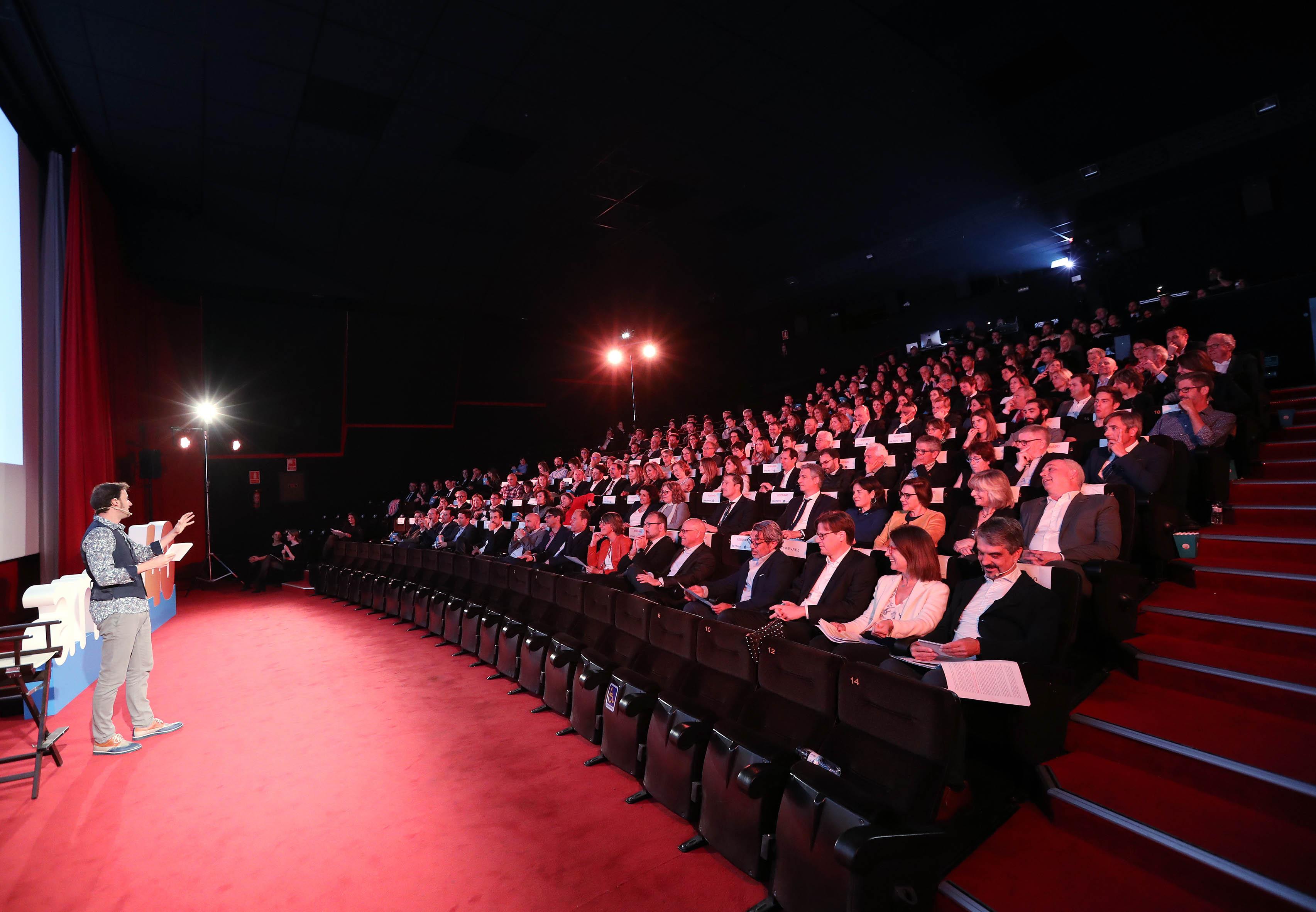 El actor Edu Soto fue el encargado de presentar el acto de inauguración