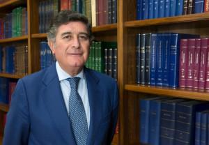Manuel Pérez Fernández, reelegido presidente del COF Sevilla