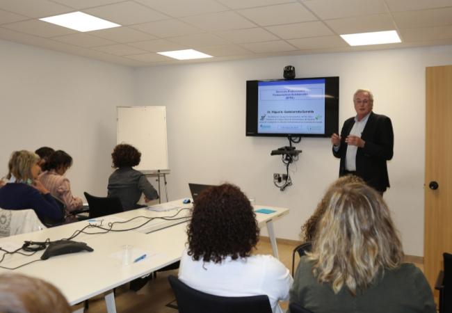 Miguel Ángel Gastelurrutia, durante la conferencia sobre Servicios Profesionales Farmacéuticos Asistenciales
