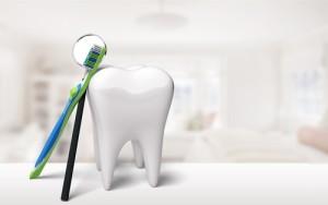 Consejos para comprar un blanqueador dental y cómo son una opción barata y eficaz para cuidar el color de los dientes