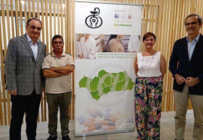 De izquierda a derecha, Antonio Mingorance (CACOF), Francisco Pérez Barroso (FADA), Ana María Álvarez (FADA), y Ernesto Cervilla (CACOF)