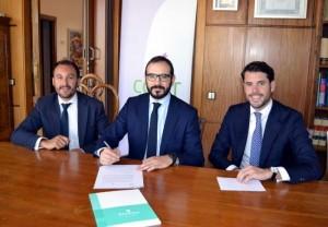Francisco Izquierdo y Mikel Goicoechea han sido los encargados de firmar el acuerdo