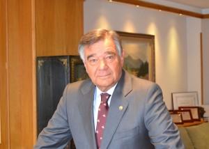 Luis González pide concertar los nuevos servicios prestados durante la pandemia y abrir la farmacia a la vacunación