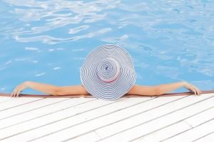 Cinco consejos para prevenir lesiones en la piscina este verano