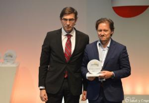 Pedro Cerezo, responsable de Responsabilidad Social Corporativa del Grupo Cofares, ha sido el encargado de recoger el Premio
