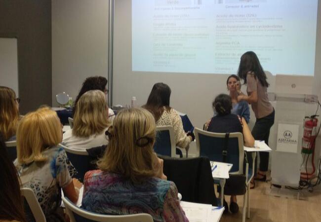 Aude Peyrefiche, durante el taller organizado por Asefarma en Expofarma