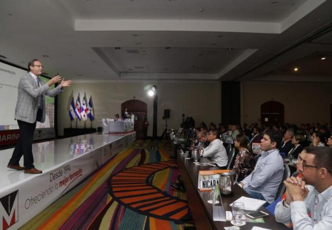 El presidente de Sefac, durante su intervención en el Congreso