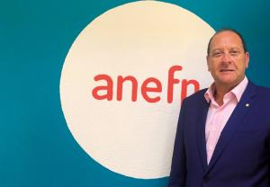 Entrevista a Alberto Bueno, presidente de anefp, sobre el futuro del autocuidado
