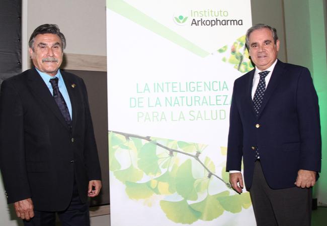 Jesús Aguilar, presidente del Consejo General de los Colegios Oficiales de Farmacéuticos y  José Luis Llisterri, presidente de SEMERGEN.