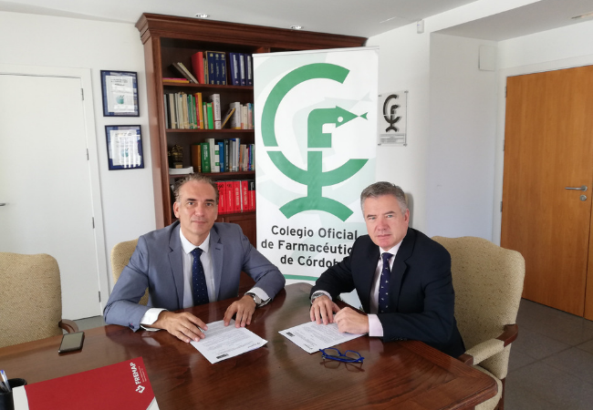 Rafael Casaño y el director regional de Andalucía Oriental de Fremap, Victoriano Díaz Corbacho.