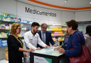 Presentación de Mi farmacia Asistencial, con Jesús Aguilar y María José Villafranca