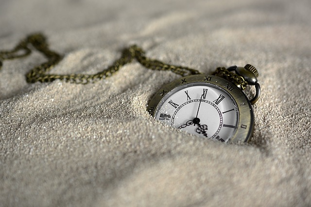 pocket-watch-3156771_640