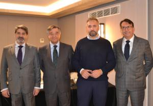 José Alonso, consejero de COFM Servicios 31; Luis González, presidente del COFMServicios31; Lucio Domina, presidente de Dómina Farmaservicios; y Stefano Dessena