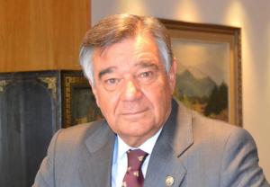 Luis González insta a impulsar el 'I+D' de la farmacia asistencial